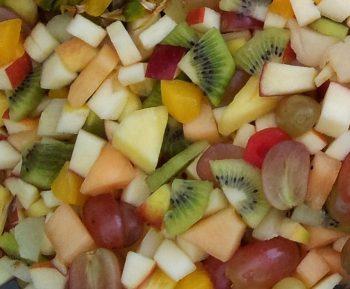 Closeup van gesneden vers fruit. Besteld bij Catering Service Twente.